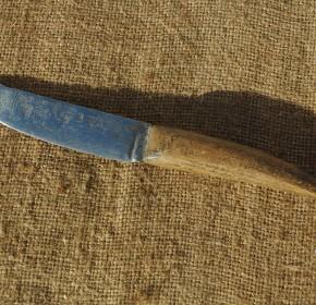 Couteau archaïque
