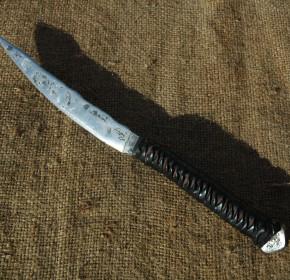 Couteau effilé barbare brut de forge
